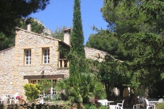 Domaine De Roquerousse 2* 1
