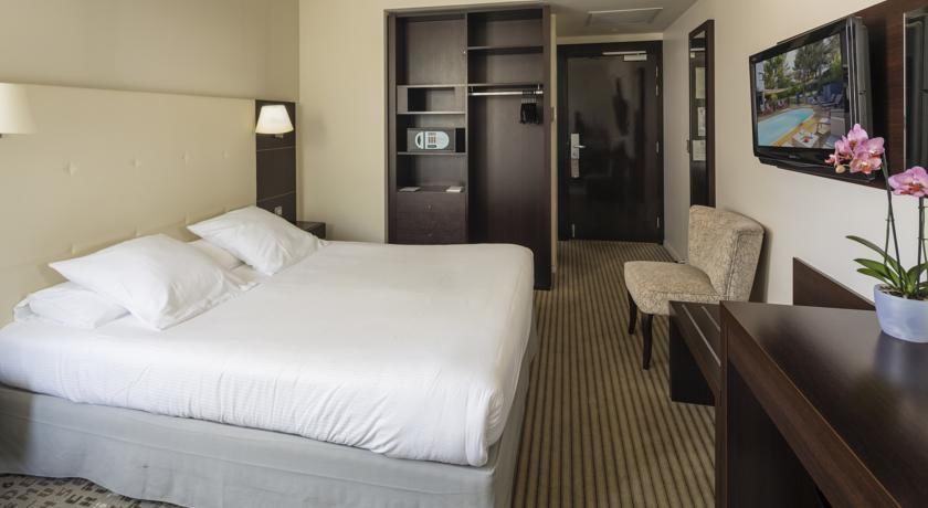 Best Western Hôtel de l'Arbois *** 10