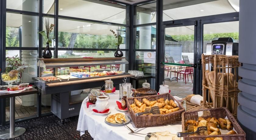 Best Western Hôtel de l'Arbois *** 22