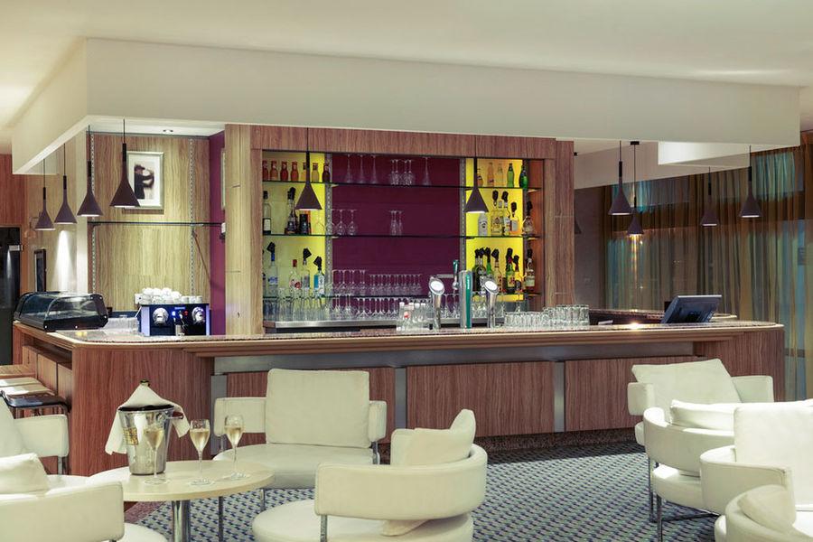 Mercure Toulouse Aeroport Golf de Seilh **** Bar
