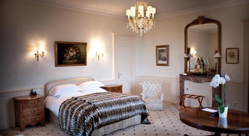 Chateau D'Apigne ***** 2