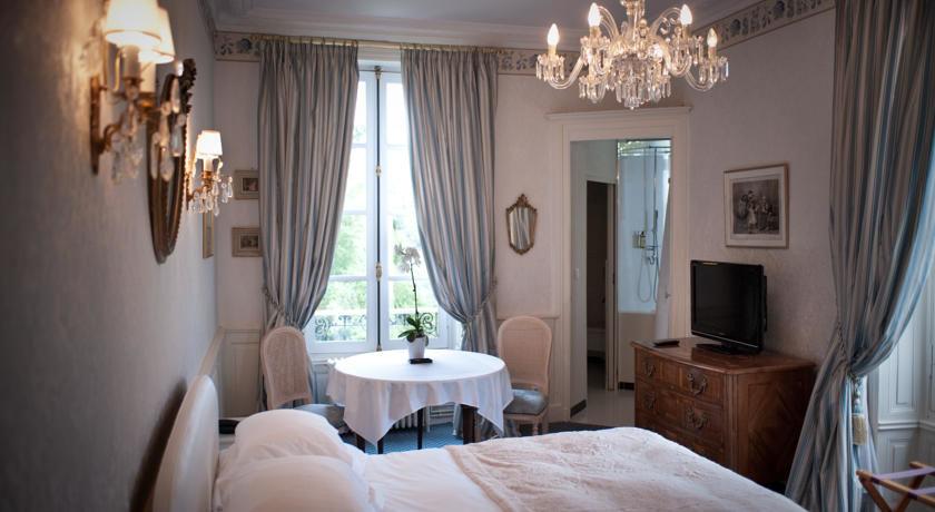 Chateau D'Apigne ***** 21