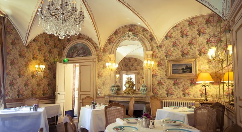 Chateau D'Apigne ***** 43