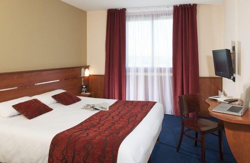 Brit Hotel Amandine *** 3