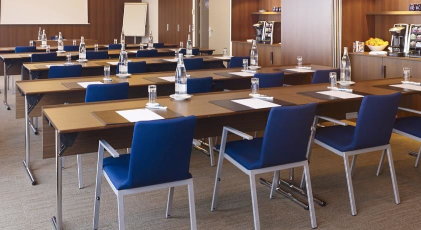 Holiday Inn Express Toulouse Airport **** Salle de séminaire