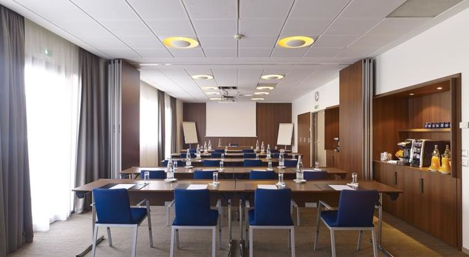Salle séminaire  - Holiday Inn Express Toulouse Airport ***