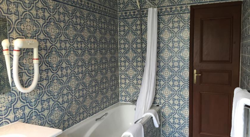 L'Hostellerie Des Cèdres *** Salle de bain