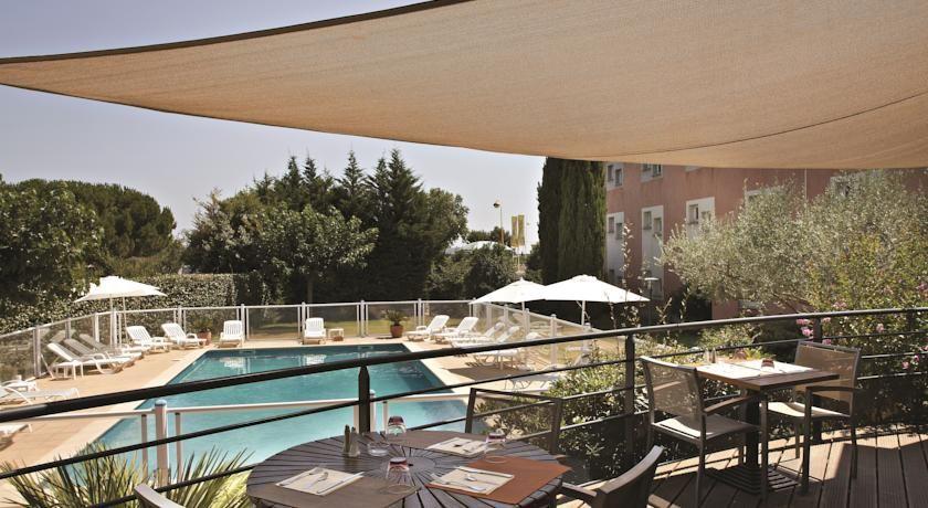 Hôtel Kyriad Montpellier Est Lunel Piscine
