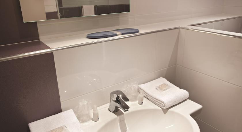 Hôtel Kyriad Montpellier Est Lunel Salle de bain