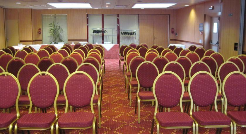 Brit Hotel Amandine *** Salle de séminaire