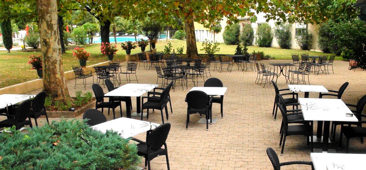 Hôtel Restaurant Les Oliviers *** Terrasse