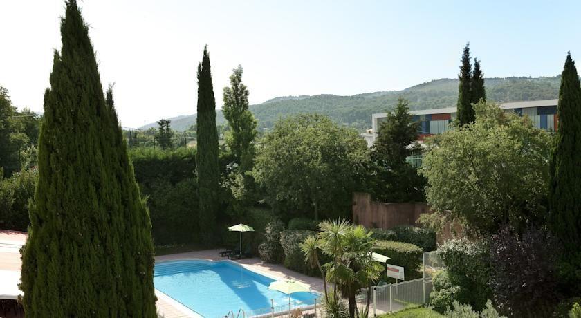 Escale Oceania Aix En Provence *** 2