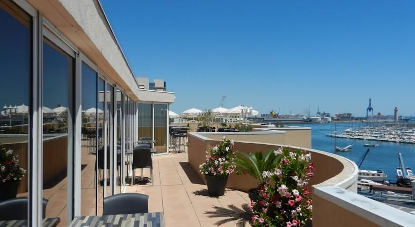 Hôtel Port Marine *** 8