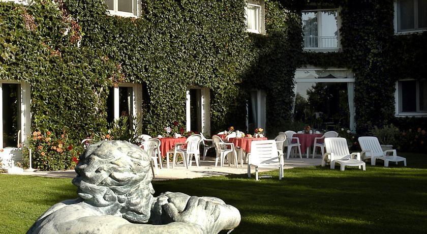 Orléans Parc Hôtel **** 3