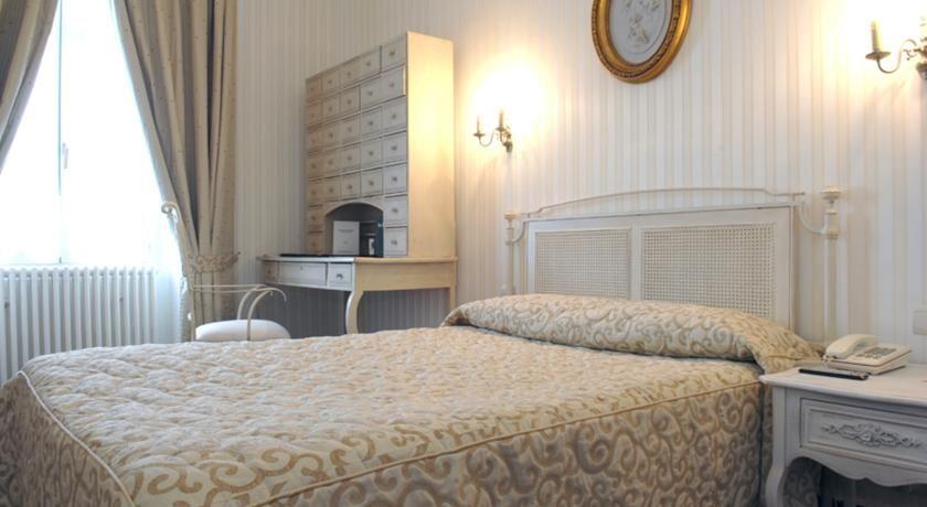 Hôtel de France **** 22