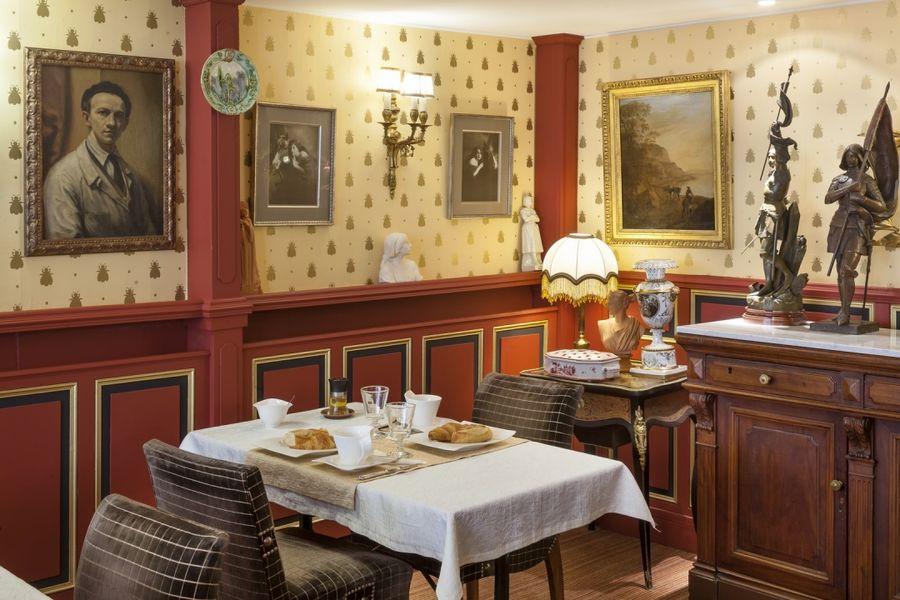 Hôtel Orléans l'Abeille *** Petit-déjeuner