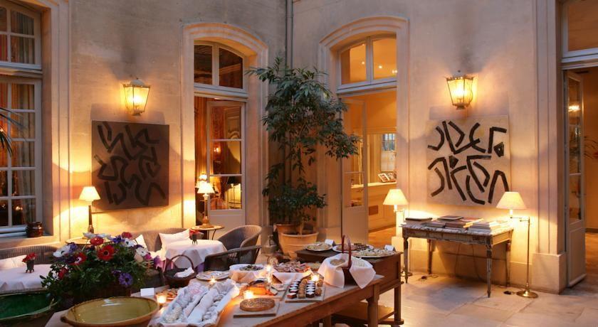 Hôtel La Mirande ***** 8