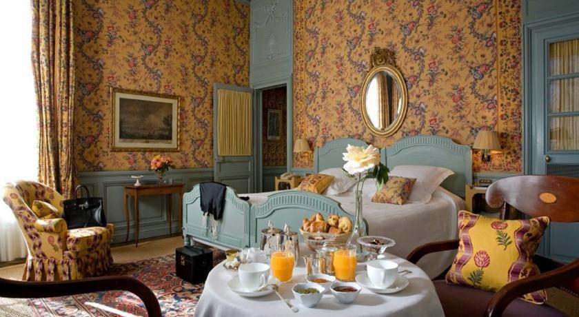Hôtel La Mirande ***** 28