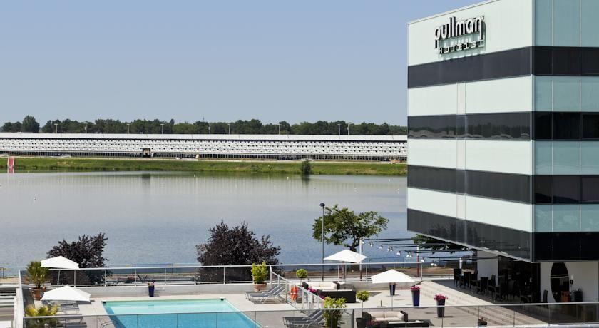 Pullman Bordeaux Lac **** Façade
