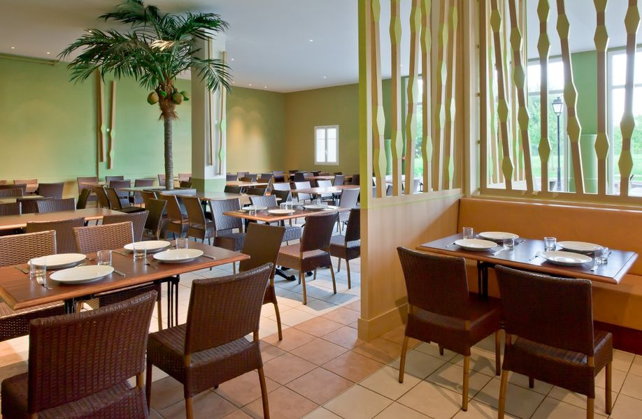 Explorers Hotel *** Restaurant