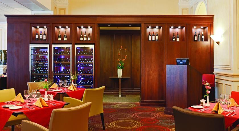 Hôtel Le Royal Westminster *** 6