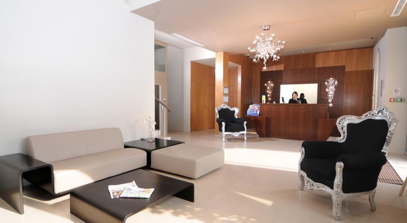 Hôtel Aéva 26