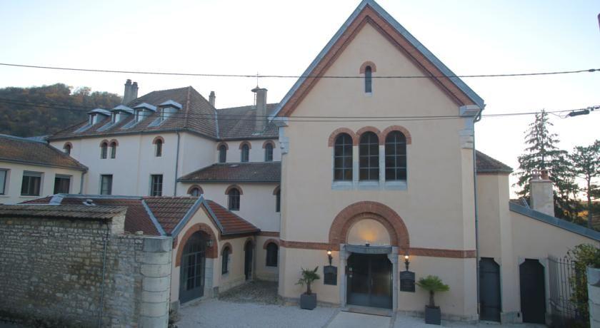 Hôtel Le Sauvage *** Façade