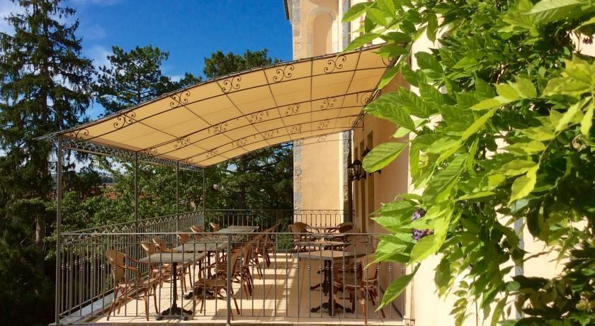 Hôtel Le Sauvage *** Terrasse