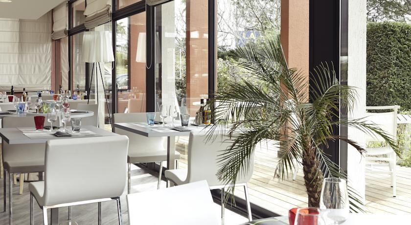 Mercure Hyères Centre Côte d'Azur **** 33