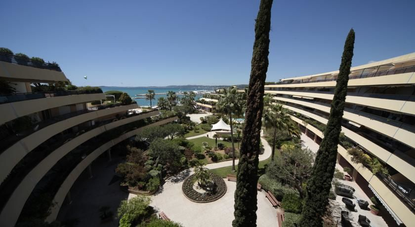 Holiday Inn Resort Saint Laurent du Var **** 1