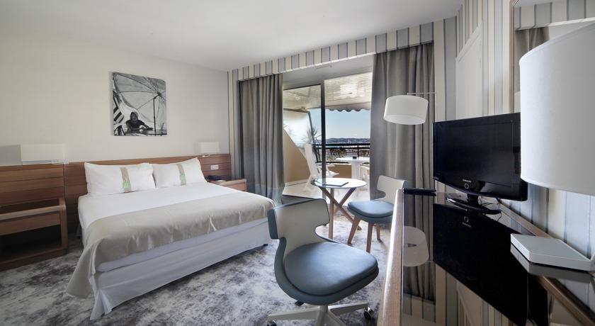 Holiday Inn Resort Saint Laurent du Var **** 5