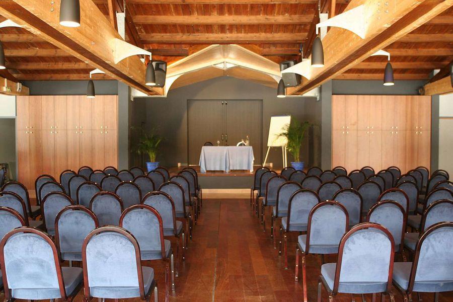 Domaine Hôtelier Les Grenettes *** Salle de séminaire