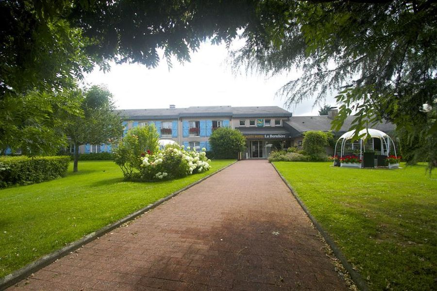 Qualys Hotel - La Bertelière *** Extérieur
