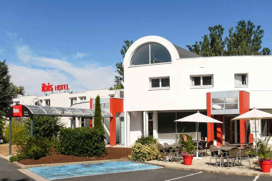 Hôtel Ibis Poitiers Beaulieu *** Façade
