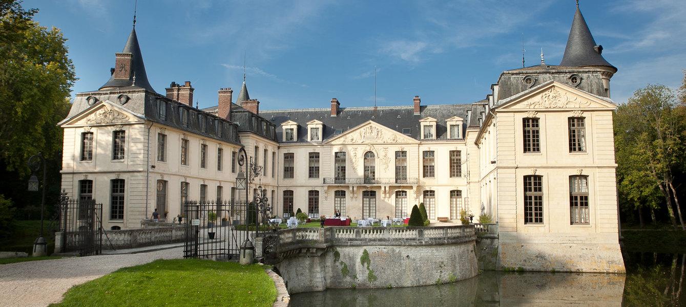 Chateau d ermenonville facade