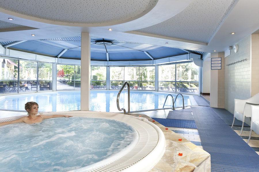Hôtel Mercure Aix Les Bains Domaine de Marlioz **** Spa