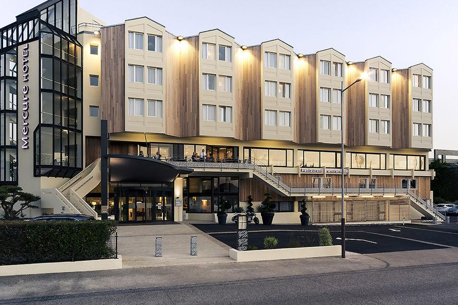 Hôtel Mercure La Rochelle Vieux Port Sud **** Façade