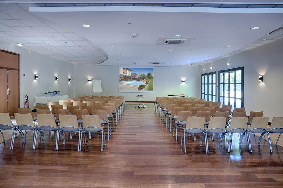 Domaine des Fontaines *** Salle de séminaire