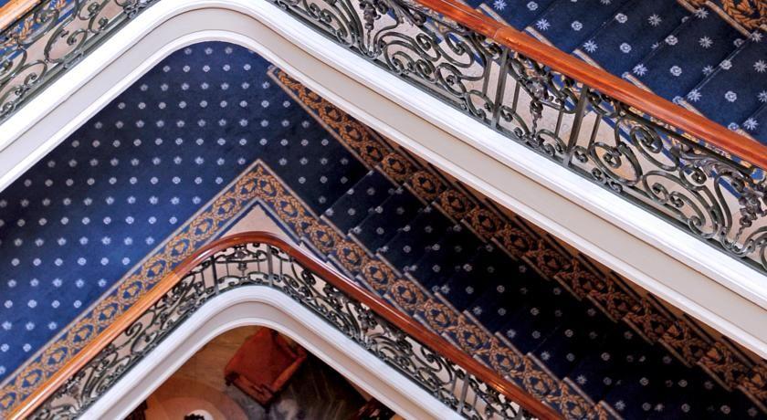 Hôtel du Palais ***** 9