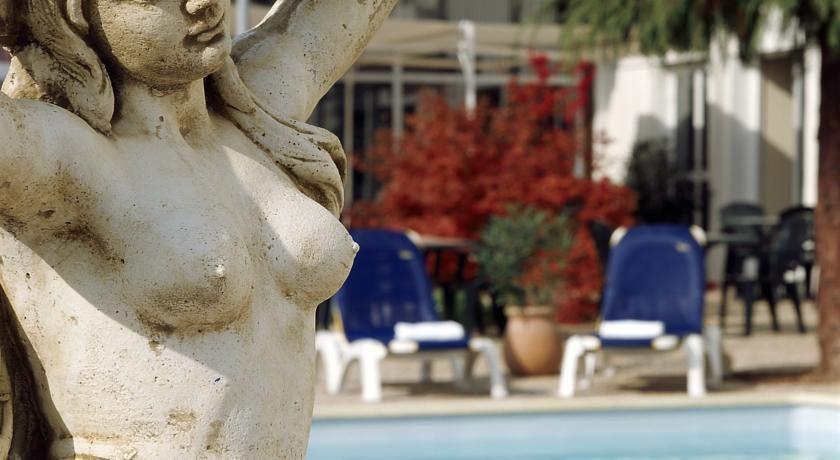 Quality Hôtel Alisée Poitiers Nord *** 38