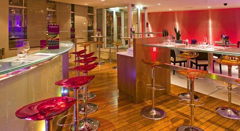 Hôtel Mercure Paris La Défense **** 25
