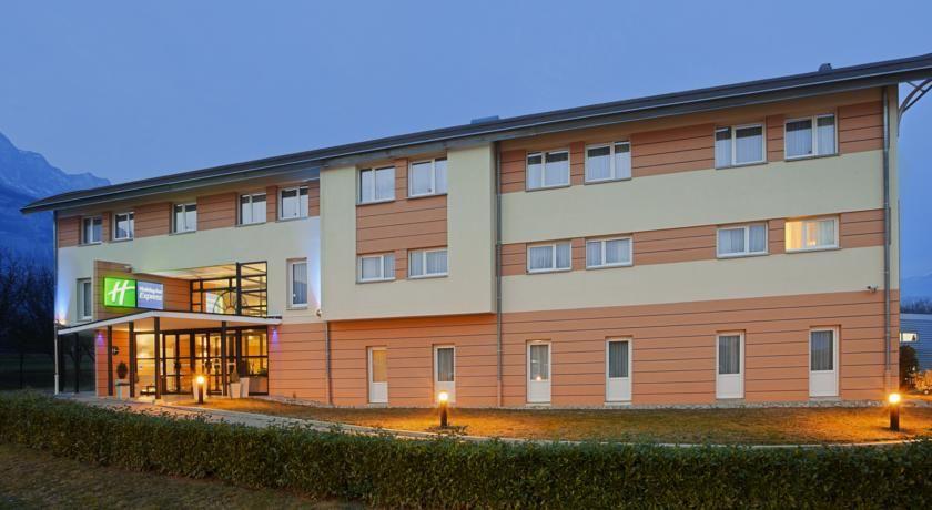 Holiday Inn Express Grenoble-Bernin *** 12