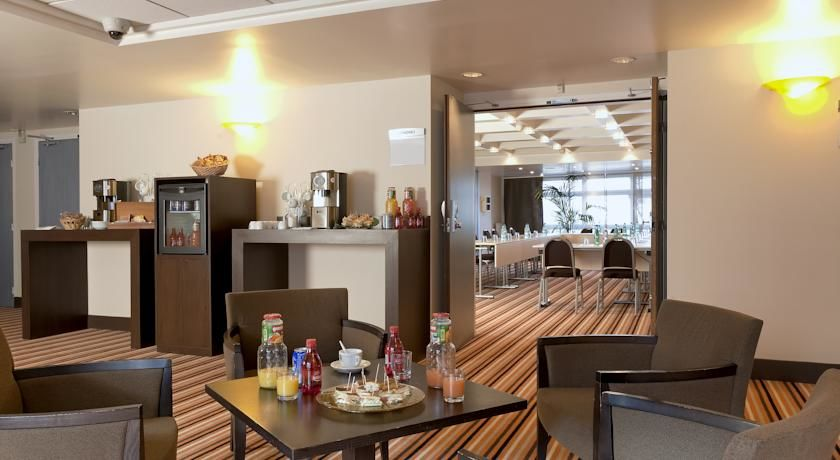 Mercure Paris Massy Gare TGV **** 23