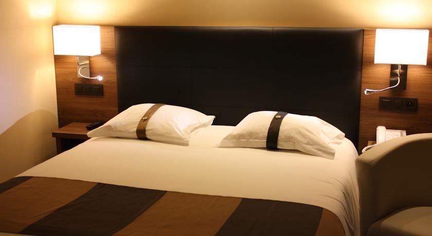 Holiday Inn Cannes 8