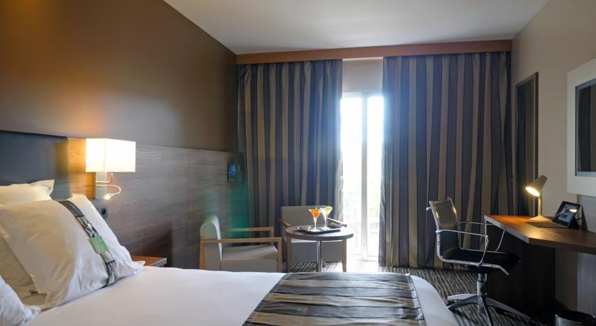 Holiday Inn Cannes 17