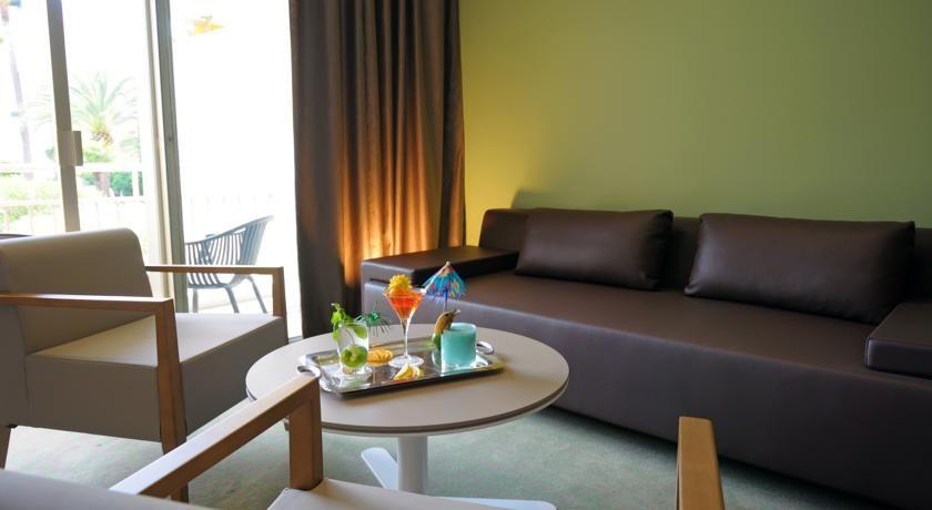 Holiday Inn Cannes 18