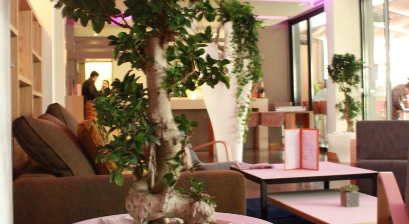 Holiday Inn Cannes 33