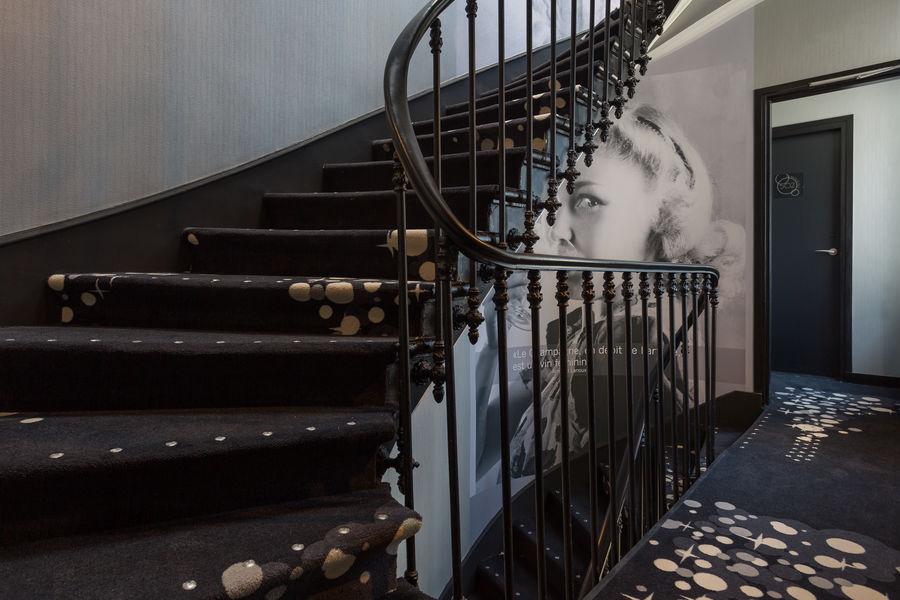 Hôtel Les Bulles de Paris **** Escalier