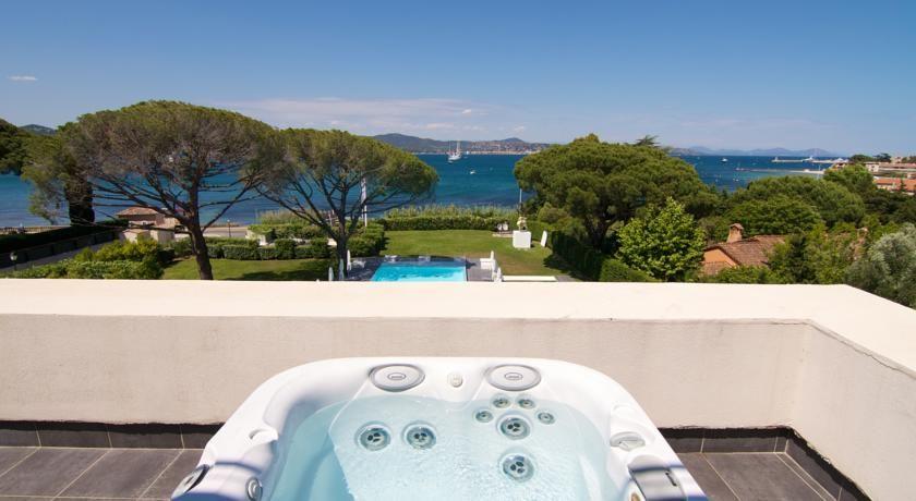 Kube Hotel Saint Tropez * * * * * 25