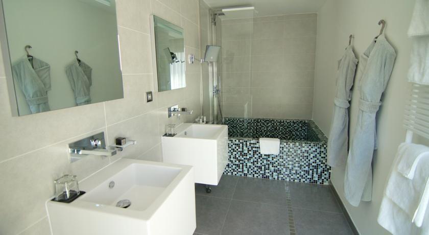 Kube Hotel Saint Tropez * * * * * 29